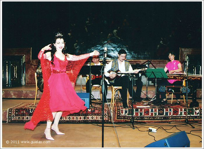 Gülay Princess & The Ensemble Aras at Minoritensaal, Graz (2003)