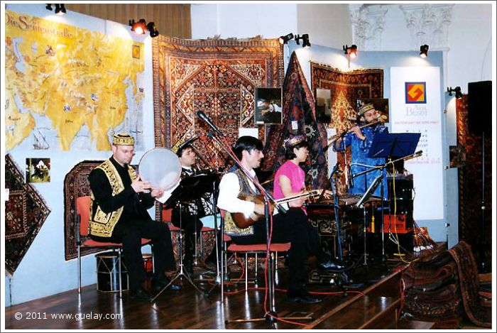 Gülay Princess & The Ensemble Aras at Raiffeisensäle, Innsbruck (2000)