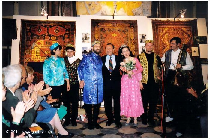 Gülay&The Ensemble Aras together with organizer Ferdi Besim at Gösting Castle, Graz (2000)