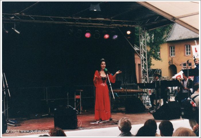 Gülay Princess at Vollrads Castle, Rheingau Festival (1999)