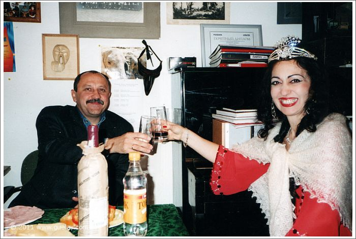 Gülay Princess with Yury Usachev after concert in Moscow (2001)