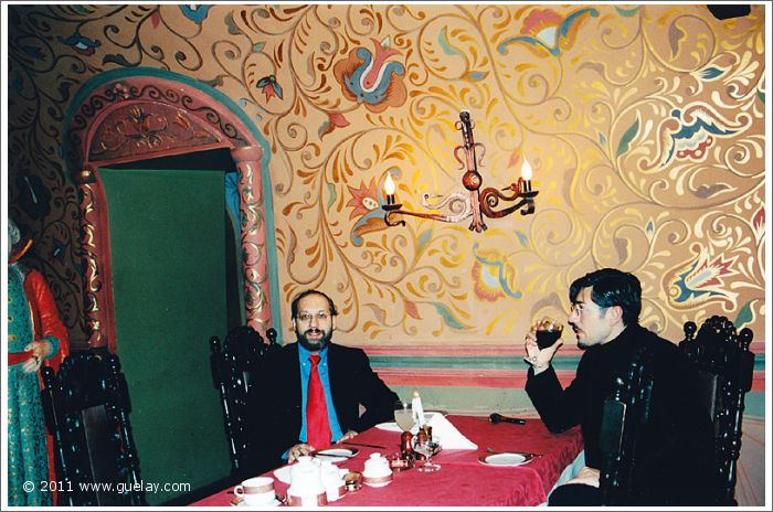 Josef Olt and Nariman Hodjati in Moscow (2001)