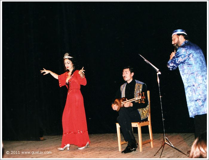 The Ensemble Aras, performance at The Young Actor's Musical Theatre in Moscow (2001)