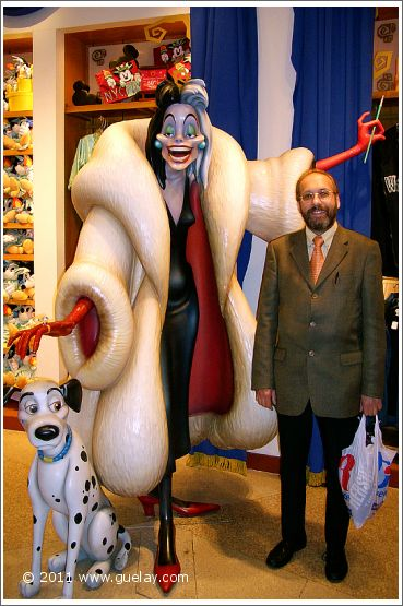 Josef Olt in a Disney store in 5th Avenue, Manhattan, New York (2005)