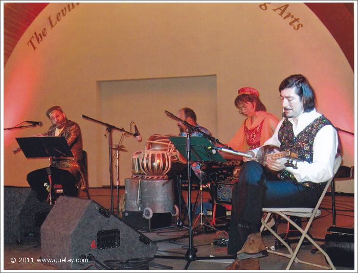 The Ensemble Aras at Levitt Pavilion, Pasadena, California (2006)