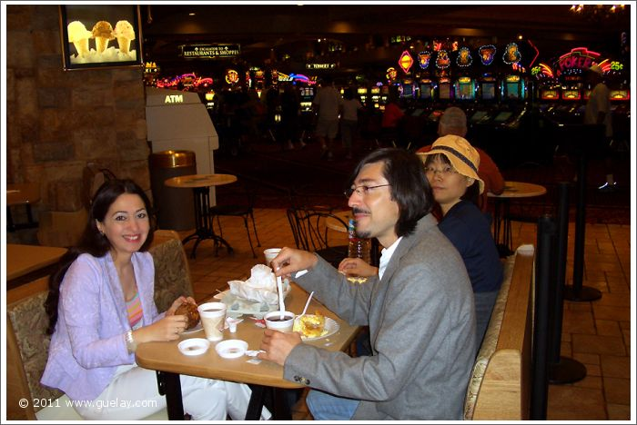 Gülay Princess, Josef, Nariman and Feng-Chiu in Hotel Excalibur, Las Vegas, Nevada (2006)