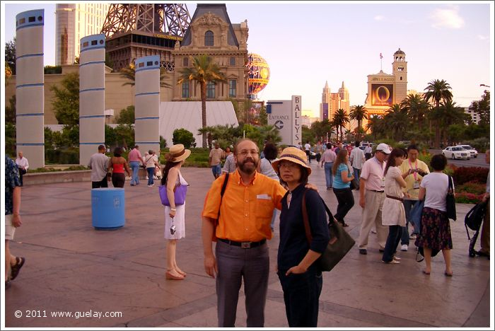 Josef Olt and Ting Feng-Chiu in Las Vegas, Nevada (2006)