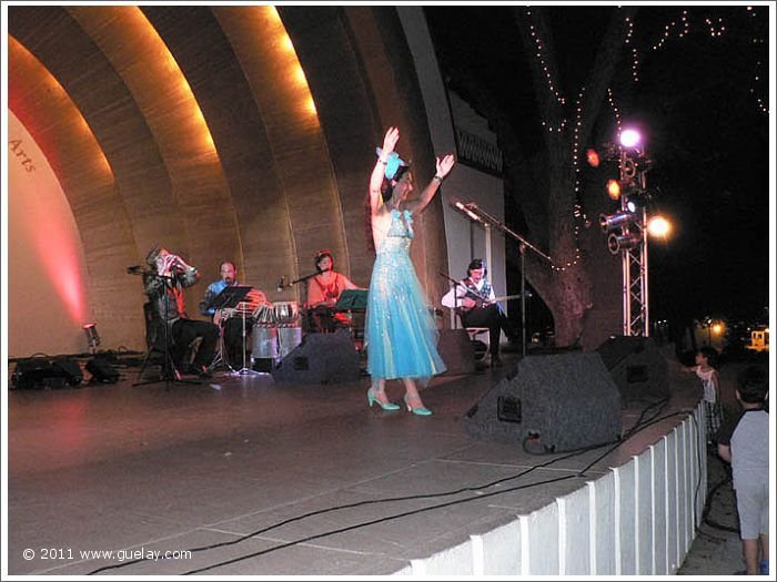Gülay Princess & The Ensemble Aras at The Levitt Pavilion in Pasadena, California (2006)