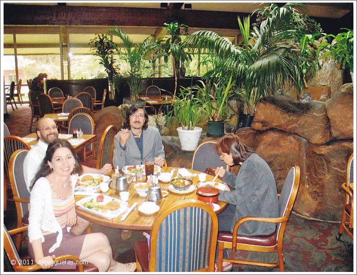 Gülay Princess & The Ensemble Aras at Lunch in Ventura, California (2006)