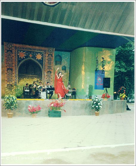 Gülay Princess at Sharq Taronalari Music Festival in Samarkand (2003)
