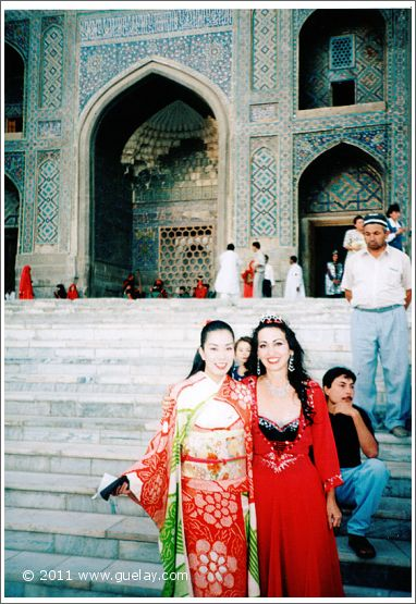 Gülay Princess in Samarkand at International Music Festival (Sharq Taronalari 1997)
