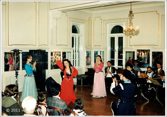 The Ensemble Aras at Volksliedwerk, Vienna (1994)